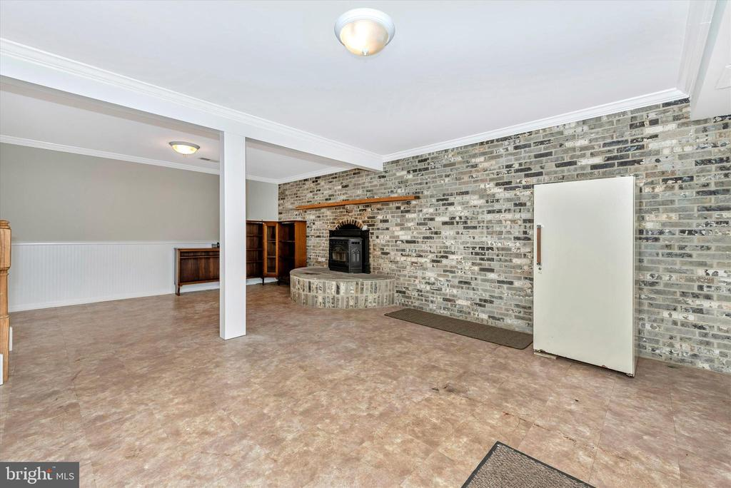 Family Room-Lower Level 2 - 11820 BROWNINGSVILLE RD, MONROVIA
