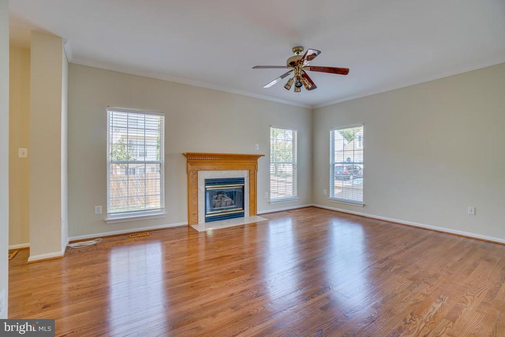 Family Room with Gas Fireplace - 31 FULTON DR, STAFFORD