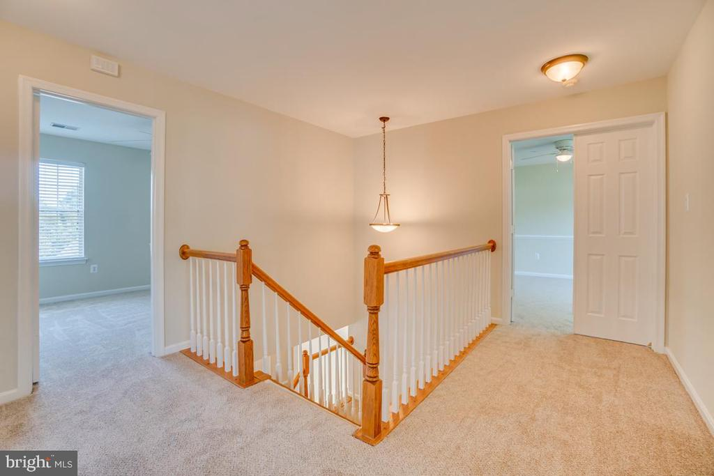 Upper Level w/ New Paint and Carpet - 31 FULTON DR, STAFFORD