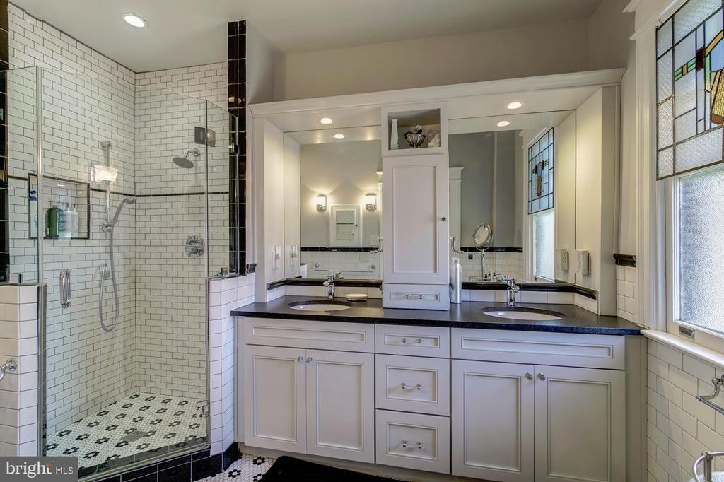 Master bath - 2733 35TH ST NW, WASHINGTON
