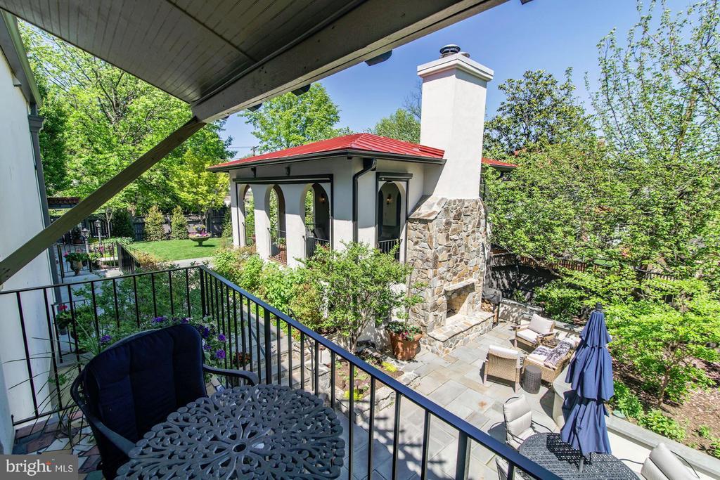 Balcony off Family room - 2733 35TH ST NW, WASHINGTON