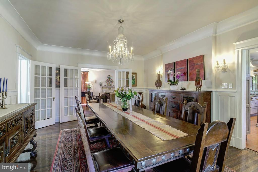 Separate dining room - 2733 35TH ST NW, WASHINGTON