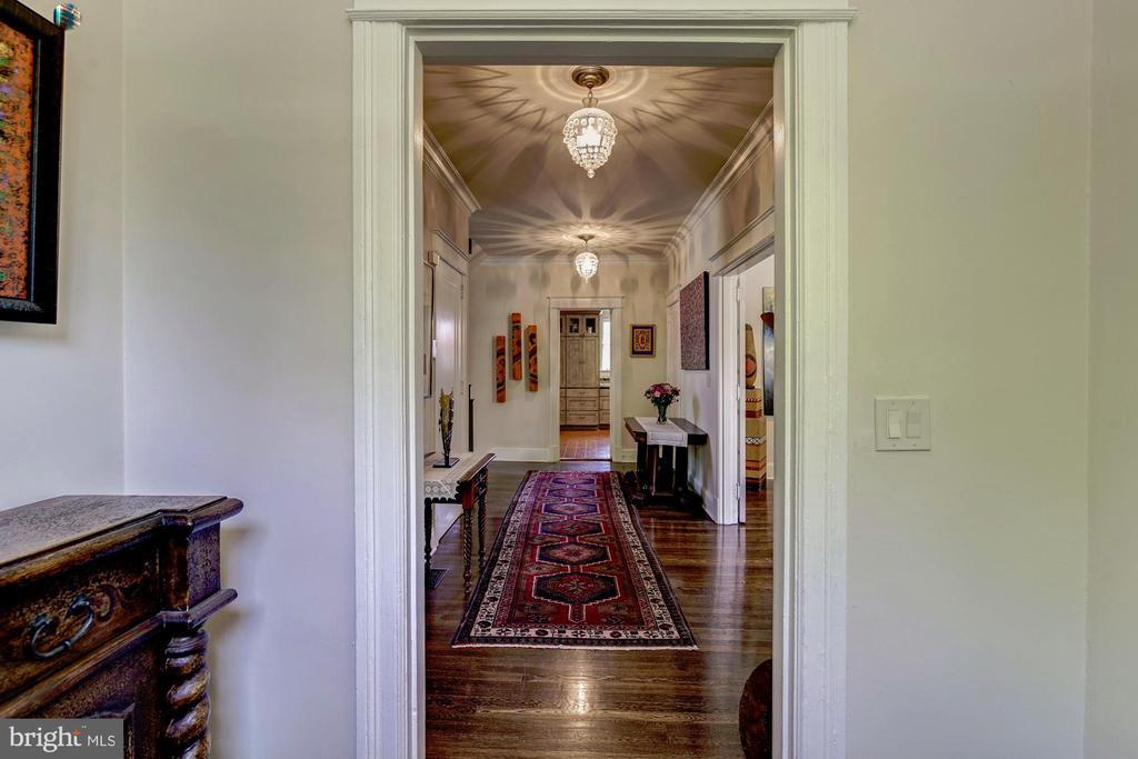 Hallway from entry foyer - 2733 35TH ST NW, WASHINGTON