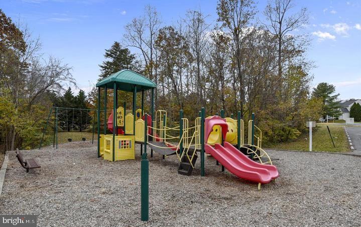 Playground 1 - 31 FULTON DR, STAFFORD