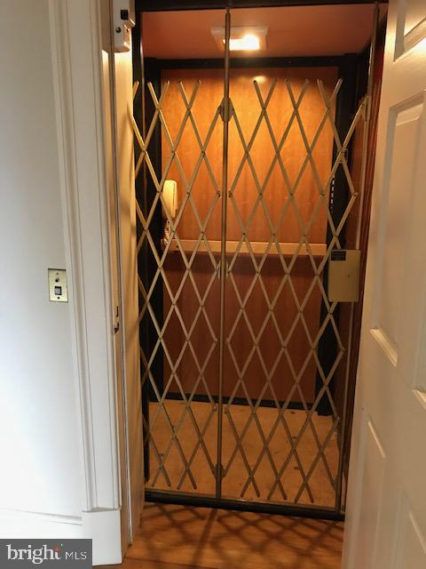 Elevator that goes from the basement to 2nd floor - 610 LEWIS ST, FREDERICKSBURG