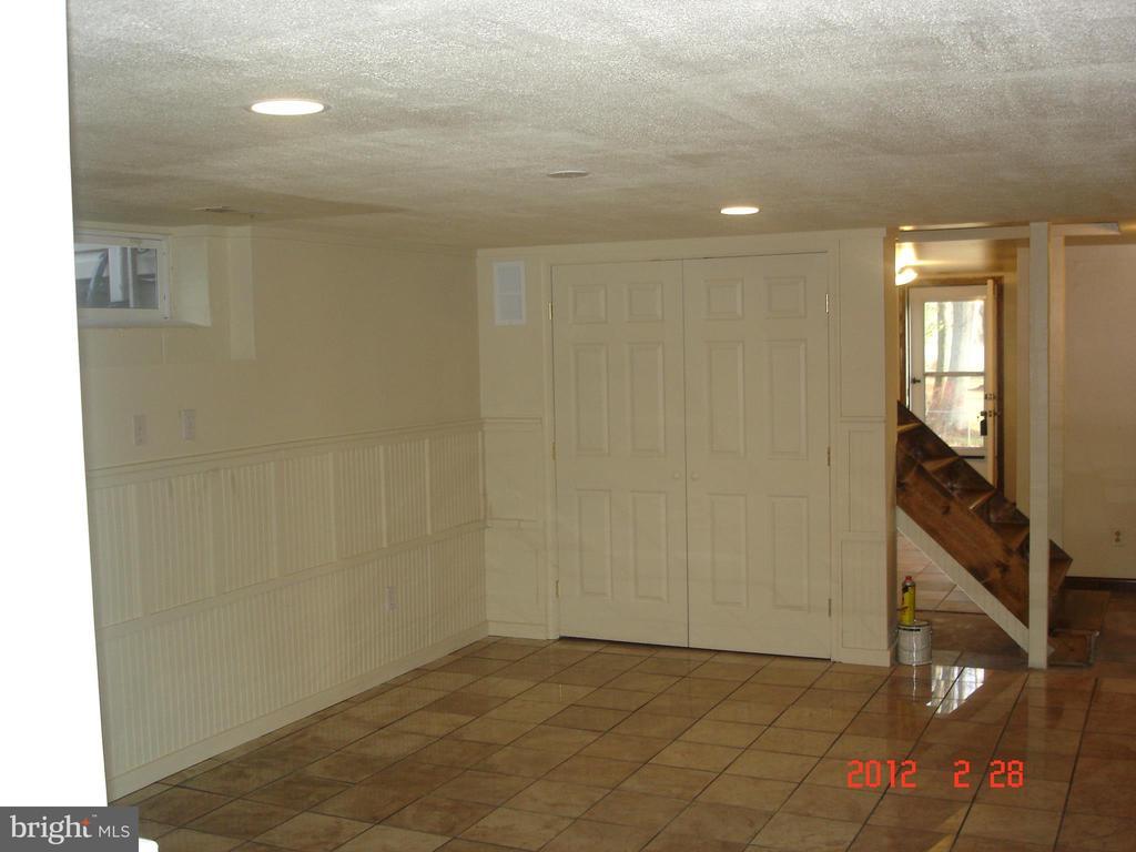 Lower Level Family room - 40228 BRADDOCK RD, ALDIE