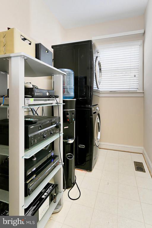 Laundry Room - 11896 CHANCEFORD DR, WOODBRIDGE