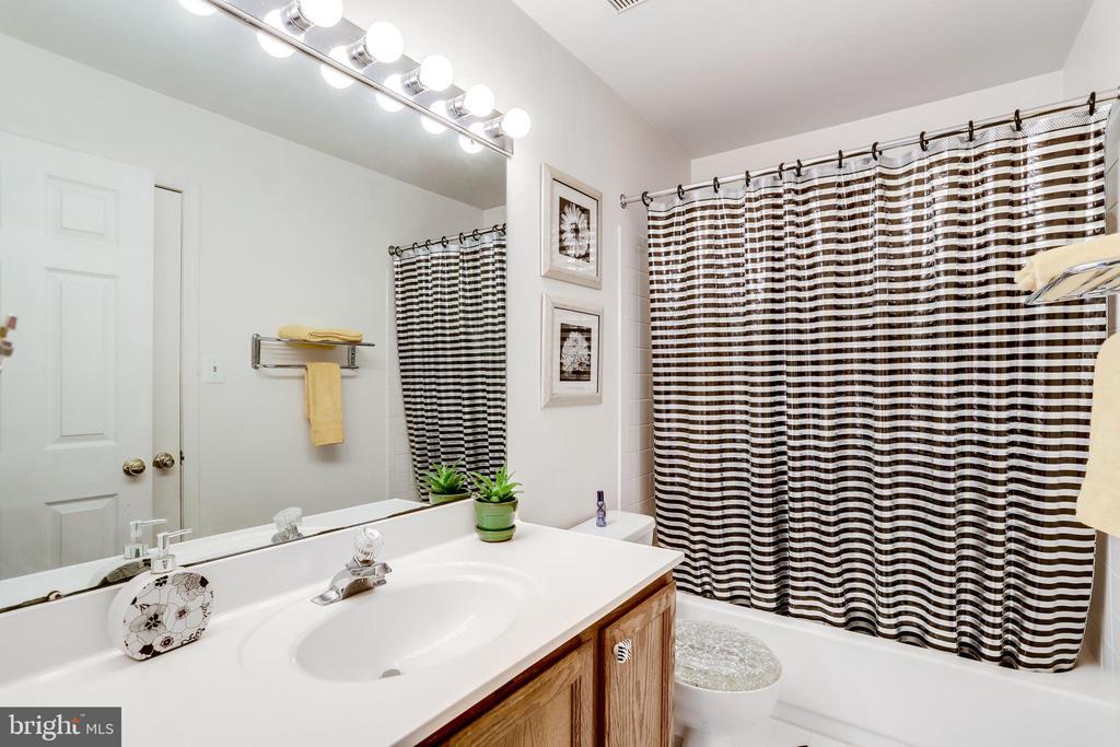 2nd Level Full Bath - 3035 22ND ST S, ARLINGTON