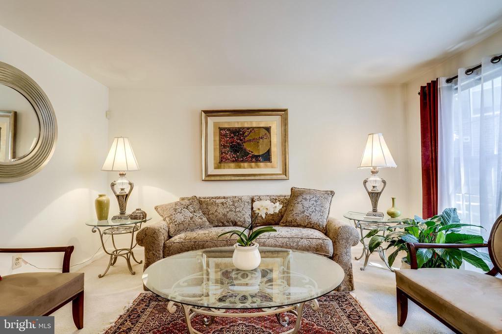 Living Room - 3035 22ND ST S, ARLINGTON
