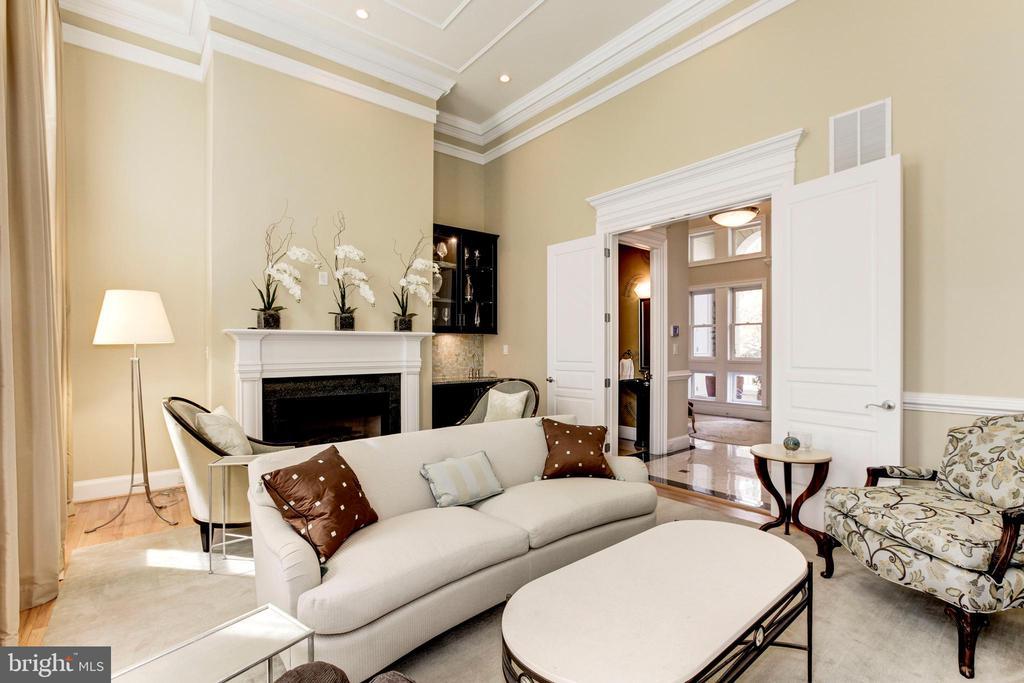 Enjoy a cocktail in this elegant living room - 1419 N NASH ST, ARLINGTON