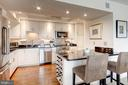 Flawless, gourmet kitchen - 1300 ARMY NAVY DR #1009, ARLINGTON