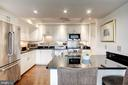 Granite countertops - 1300 ARMY NAVY DR #1009, ARLINGTON