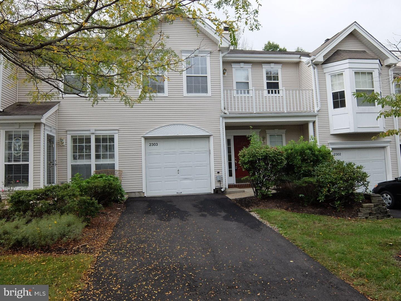独户住宅 为 出租 在 2303 PHEASANT RUN Monmouth Junction, 新泽西州 08852 美国在/周边: South Brunswick Township