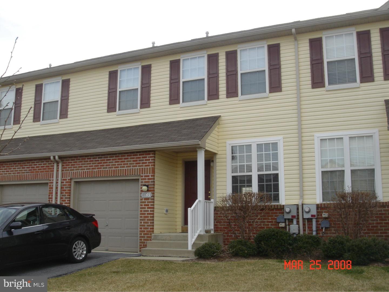 Частный односемейный дом для того Аренда на 8145 CROSS CREEK Circle Breinigsville, Пенсильвания 18031 Соединенные Штаты