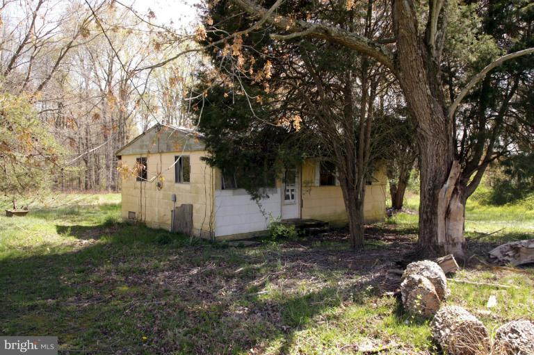 Photo of home for sale at 211 Johnson Lane, Queenstown MD