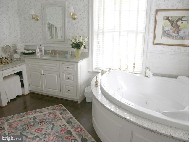 Bath - 36987 MOUNTVILLE RD, MIDDLEBURG