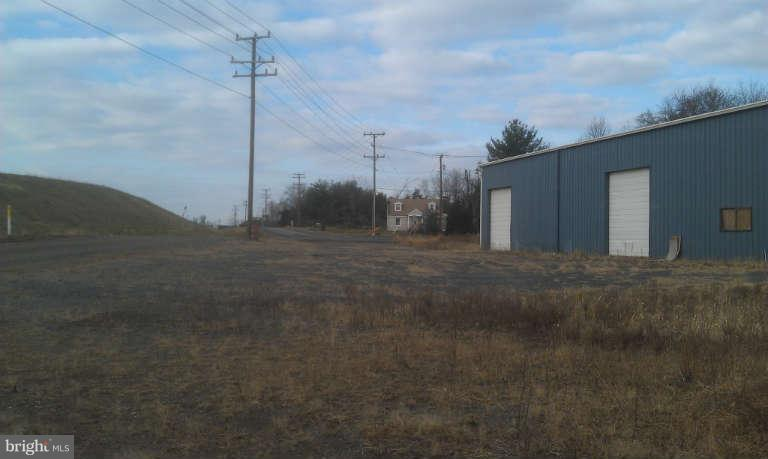 Additional photo for property listing at 13710 Daves Store Ln Gainesville, Virginia 20155 United States
