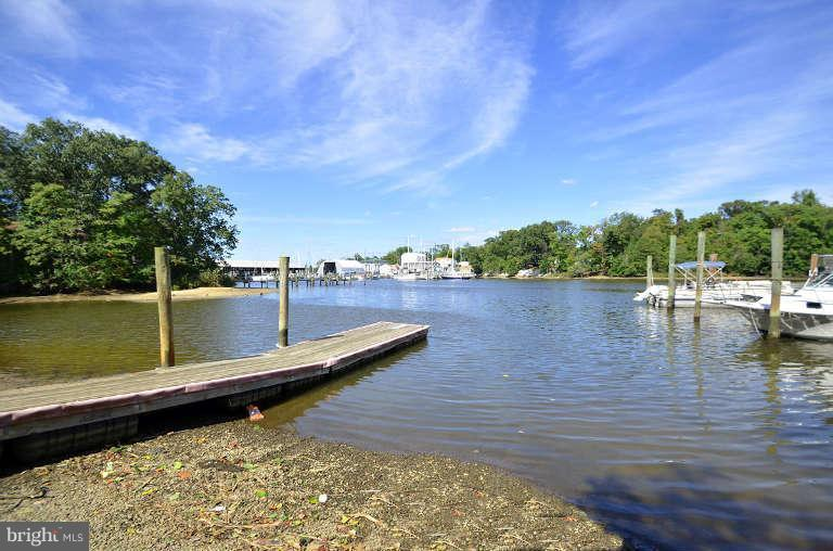 Additional photo for property listing at 1645 Wall Dr  Pasadena, Maryland 21122 United States