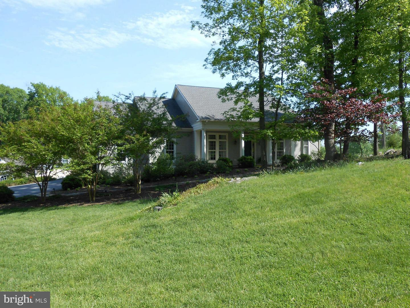 Additional photo for property listing at 104 Reachcliff Dr  Shepherdstown, West Virginia 25443 United States