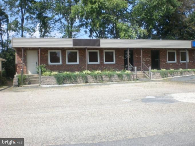 Photo of home for sale at 2152 Jefferson Davis Highway, Stafford VA