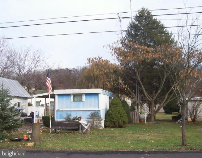 Single Family for Sale at 222 Chipley Ln Moorefield, West Virginia 26836 United States