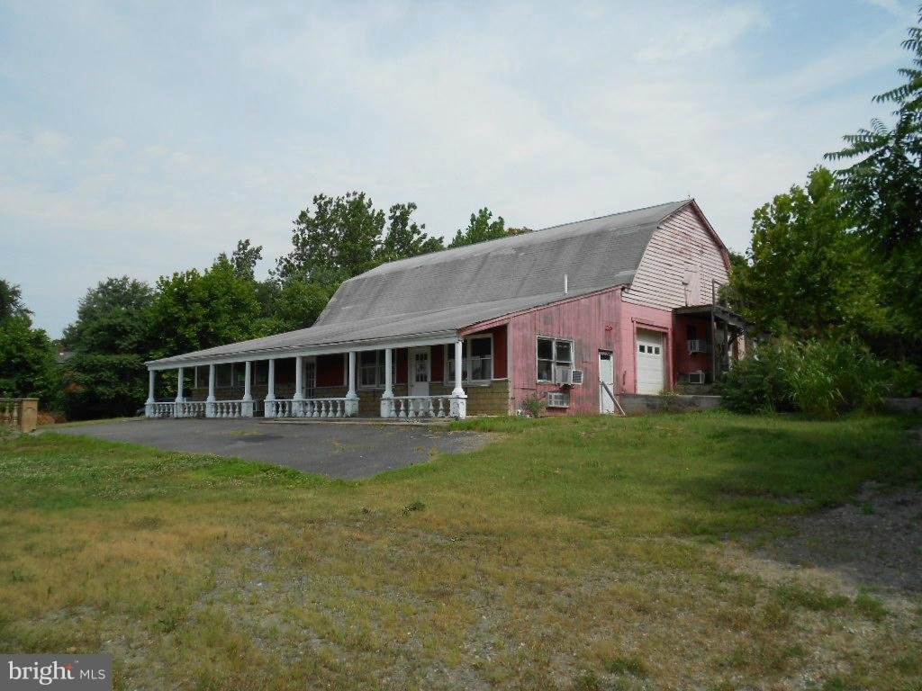 Commercial for Sale at 6475 Seminole Trl Rochelle, Virginia 22738 United States