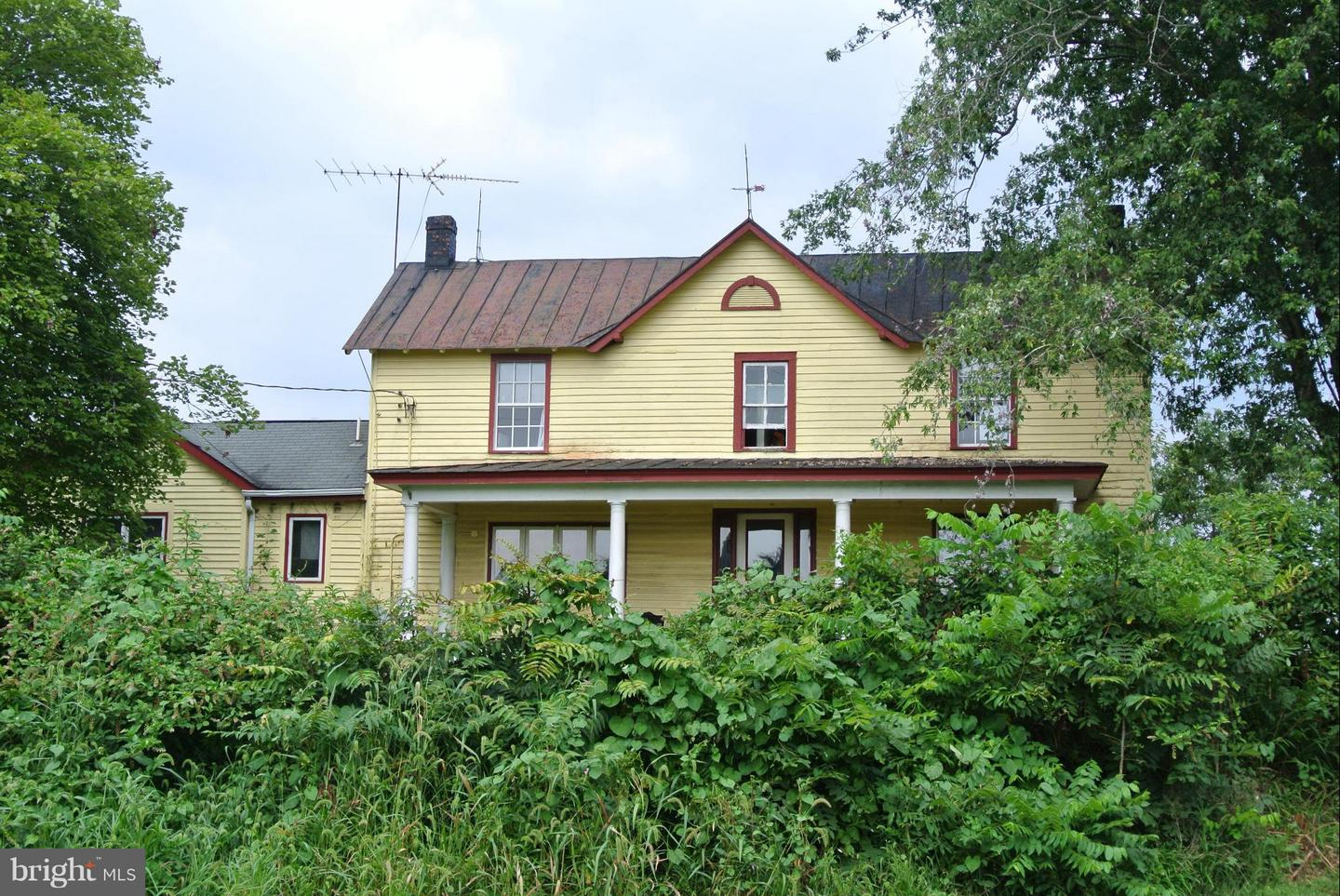 Additional photo for property listing at 111 Dennis Road  Castleton, Virginia 22716 United States