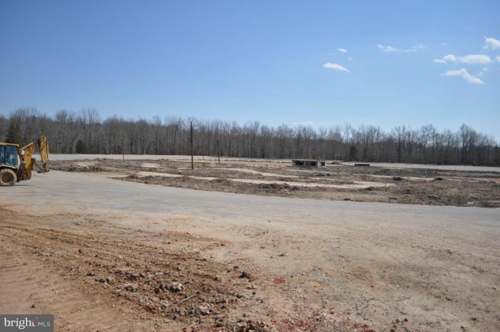 Additional photo for property listing at 6000 Crain Hwy SE  Upper Marlboro, Maryland 20772 United States