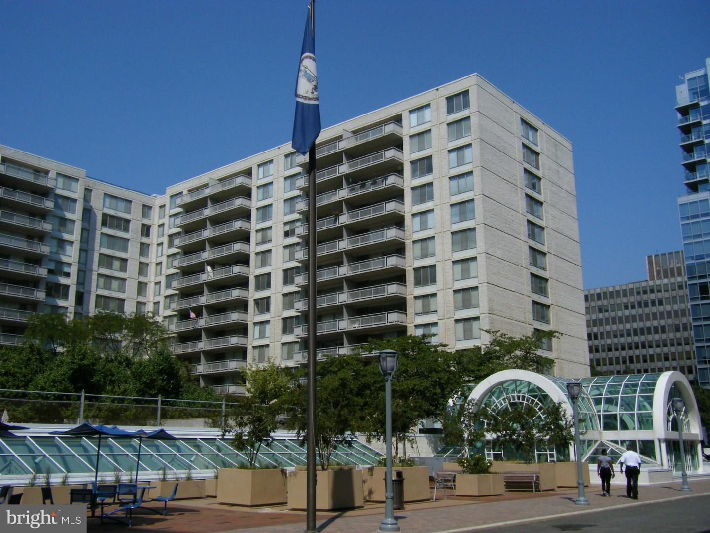 Other Residential for Rent at 2111 Jefferson Davis Hwy #002/2 Arlington, Virginia 22202 United States