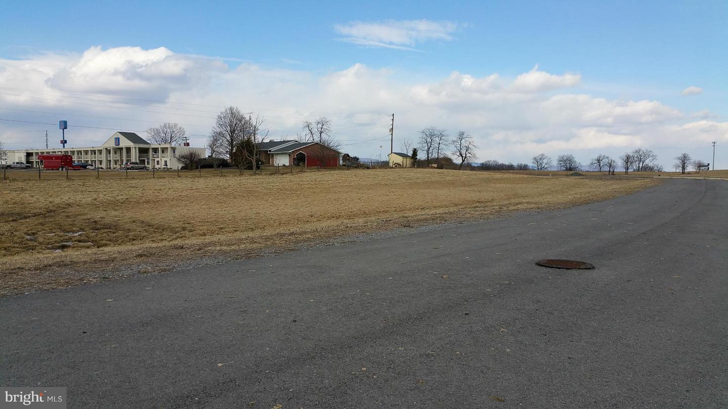 Additional photo for property listing at Chancellorville Dr  Martinsburg, West Virginia 25404 United States