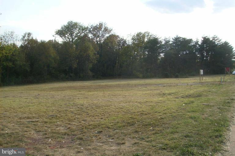 Photo of home for sale at 10431 Nokesville Road, Manassas VA