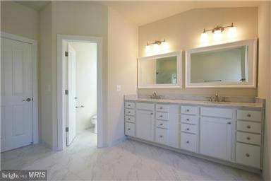 Model Home Bath (Master) - 6112 COLCHESTER RD, FAIRFAX