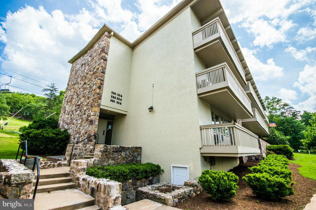 Single Family for Sale at 300 Fairway Dr #331 Basye, Virginia 22810 United States