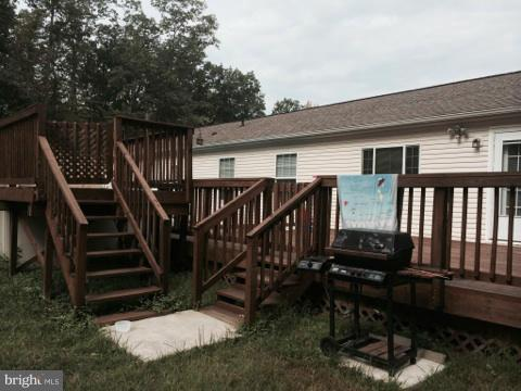 Additional photo for property listing at 676 Tupelo Loop  Springfield, West Virginia 26763 United States