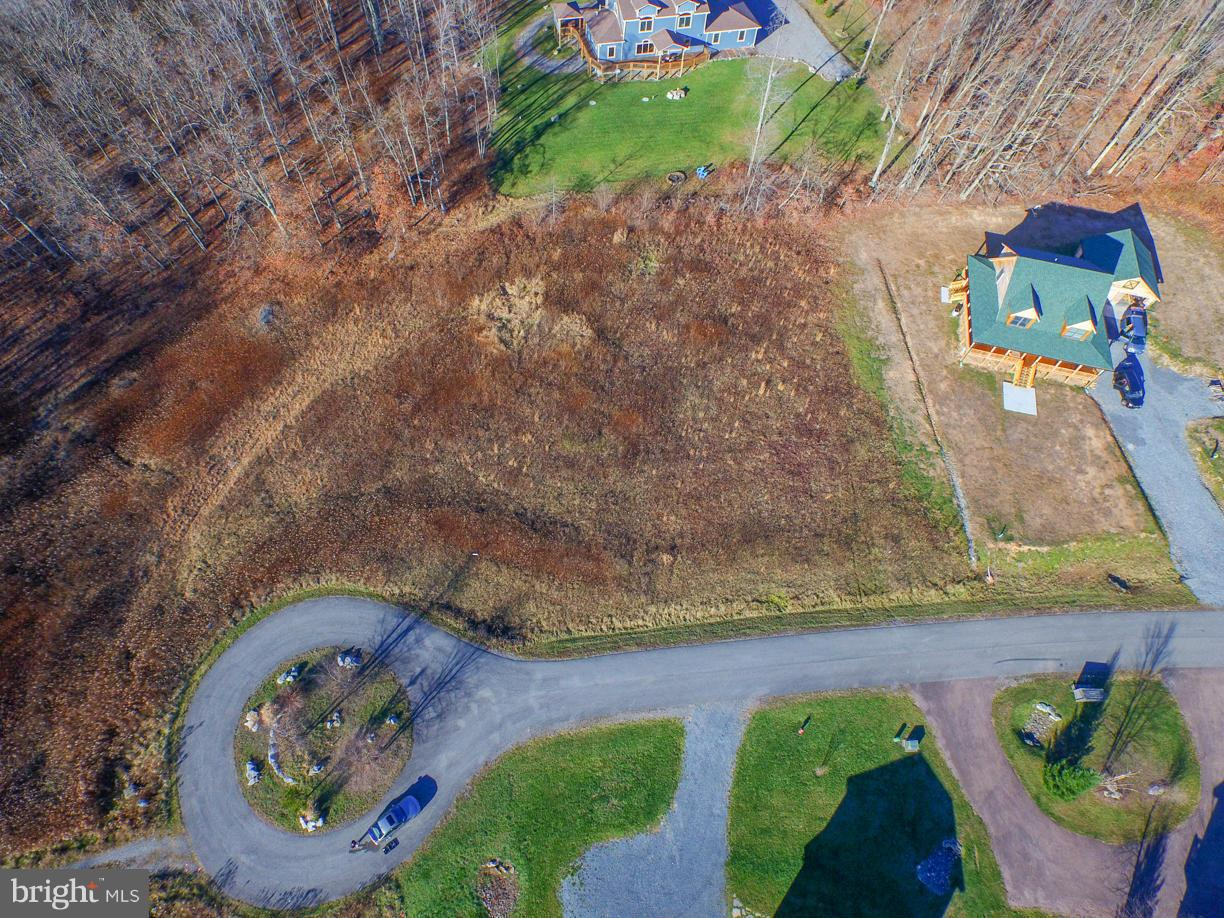 Additional photo for property listing at 7 Fantasy Ln  Mc Henry, Maryland 21541 United States