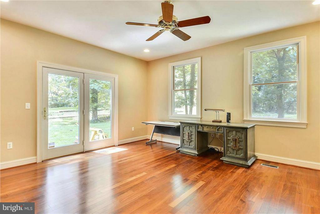 Large Office with Built-Ins and View of Trees - 1808 RIVER WATCH LN, ANNAPOLIS