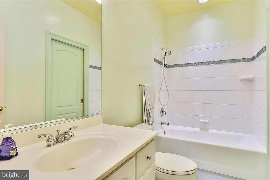 Another Full Bath on Upper Level - 1808 RIVER WATCH LN, ANNAPOLIS