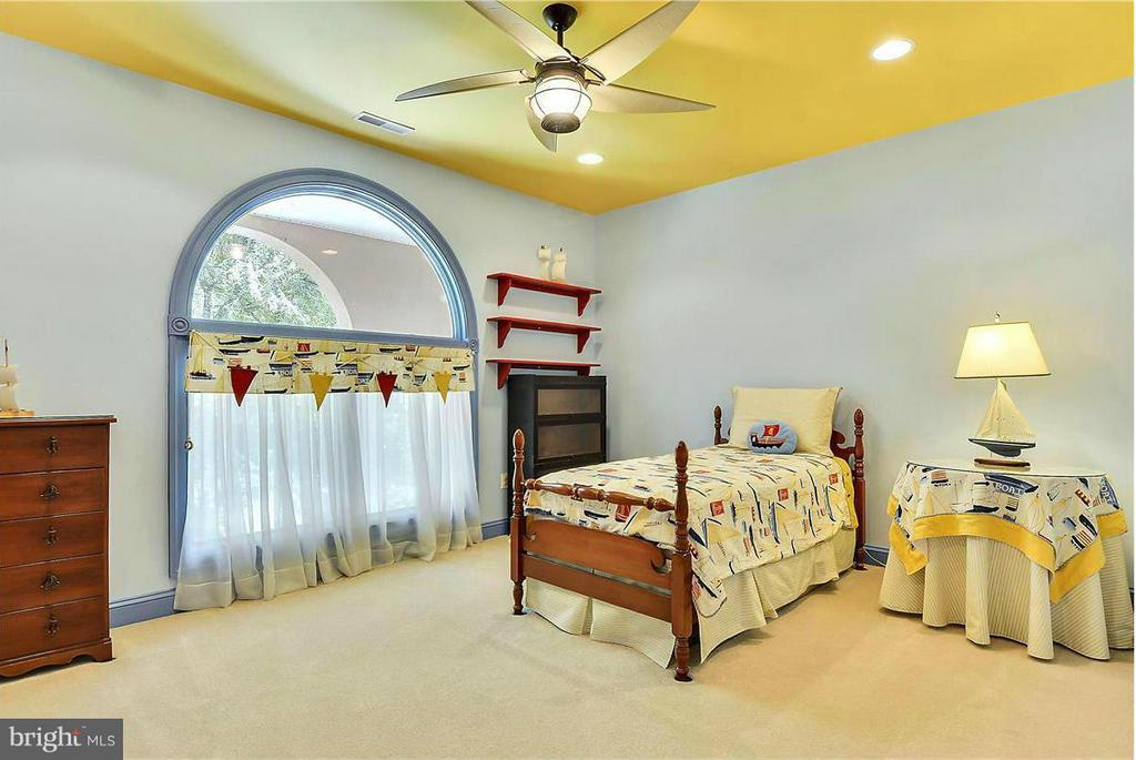 Bedroom Filled With Sunlight - 1808 RIVER WATCH LN, ANNAPOLIS