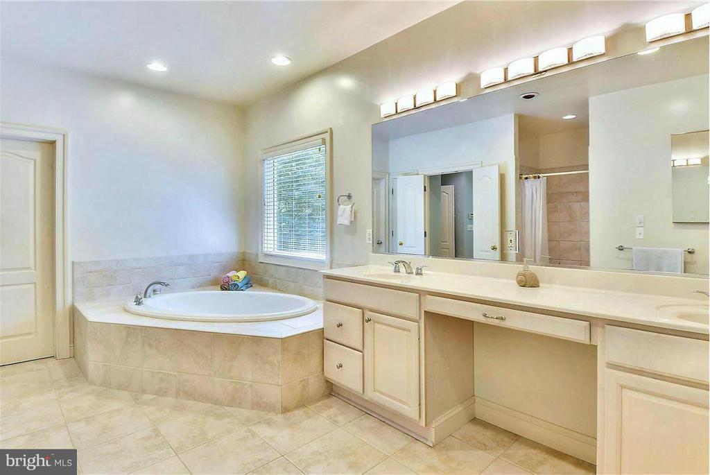 Exquisite Master Bath - 1808 RIVER WATCH LN, ANNAPOLIS