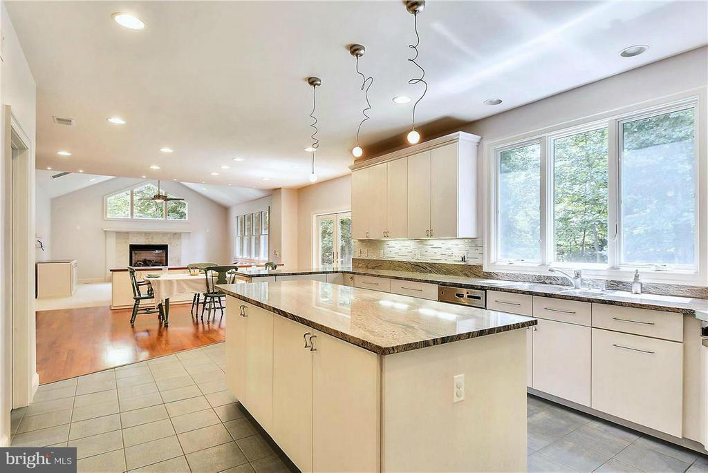 Another View of Kitchen - 1808 RIVER WATCH LN, ANNAPOLIS