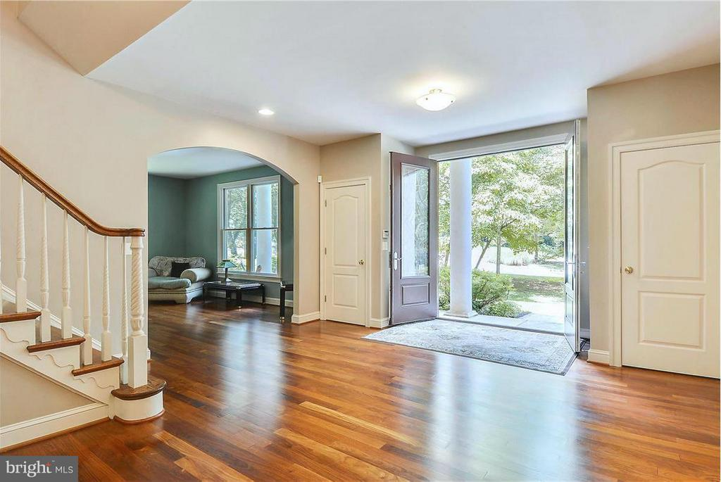 Huge Grand Entry Foyer - 1808 RIVER WATCH LN, ANNAPOLIS
