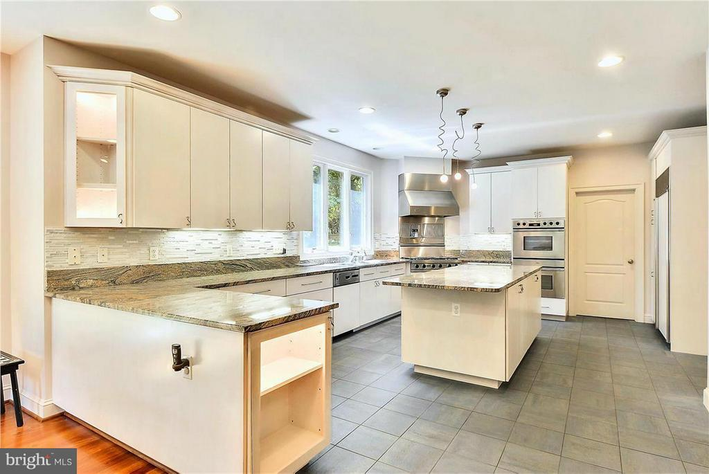 State of the Art Kitchen - 1808 RIVER WATCH LN, ANNAPOLIS