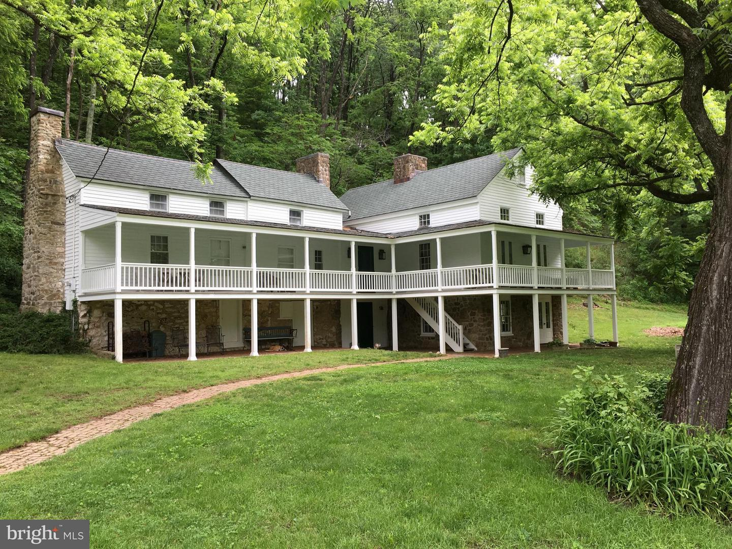 Single Family for Sale at 336 Weakley Hollow Rd Syria, Virginia 22743 United States