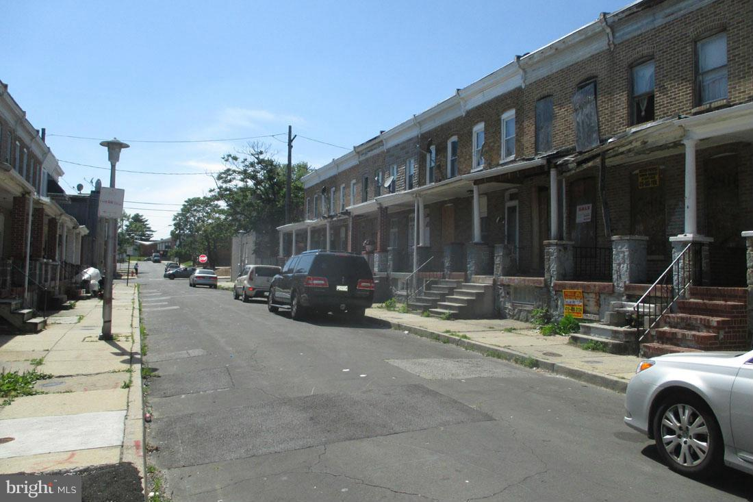 Photo of home for sale at 2416 Llewelyn Avenue, Baltimore MD