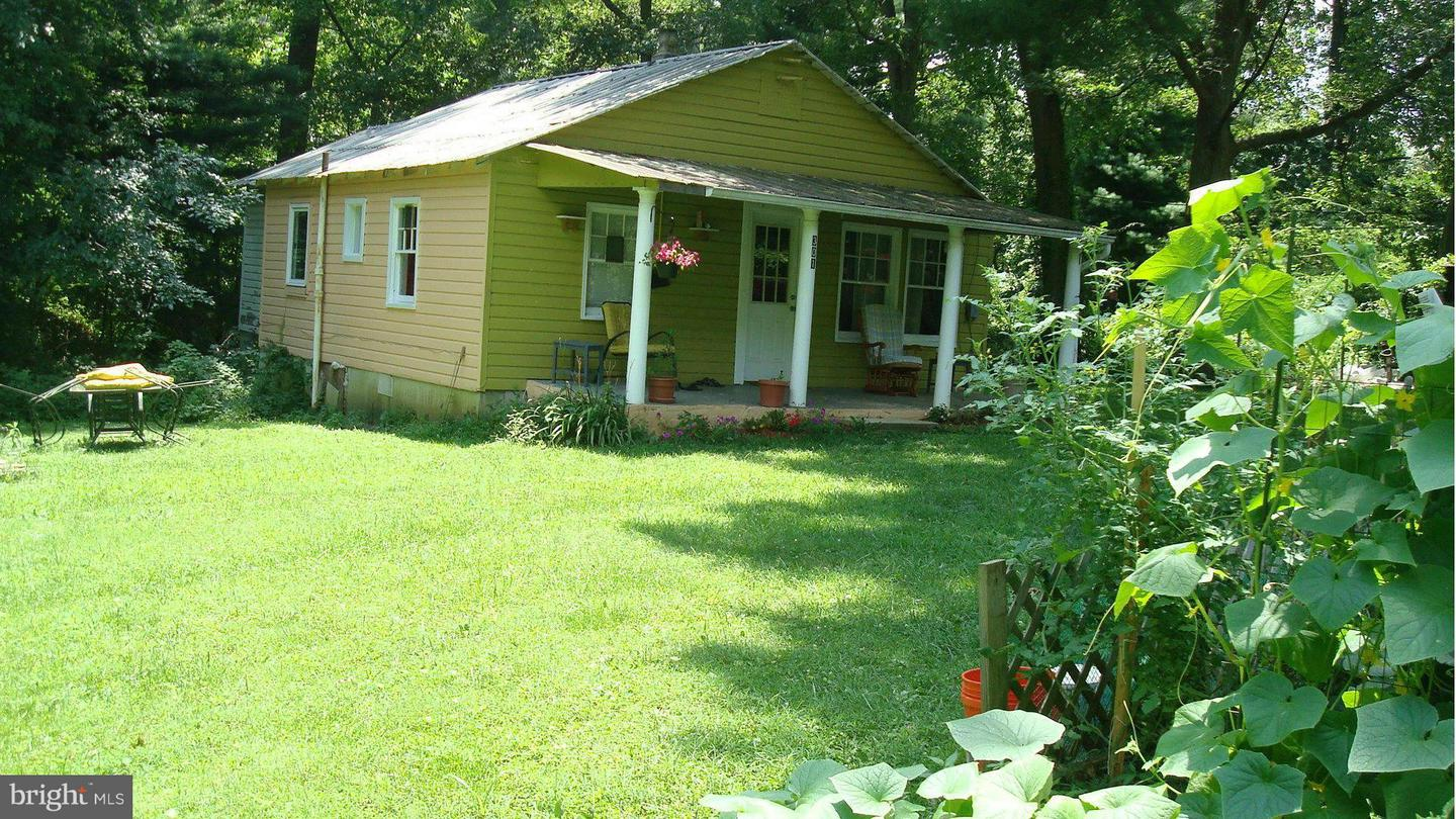 Photo of home for sale at 301 Northeast Road, Aberdeen MD