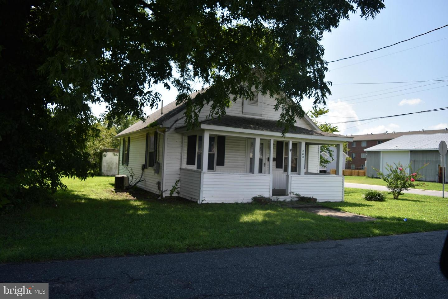Single Family for Sale at 880 Park Ln Cambridge, Maryland 21613 United States