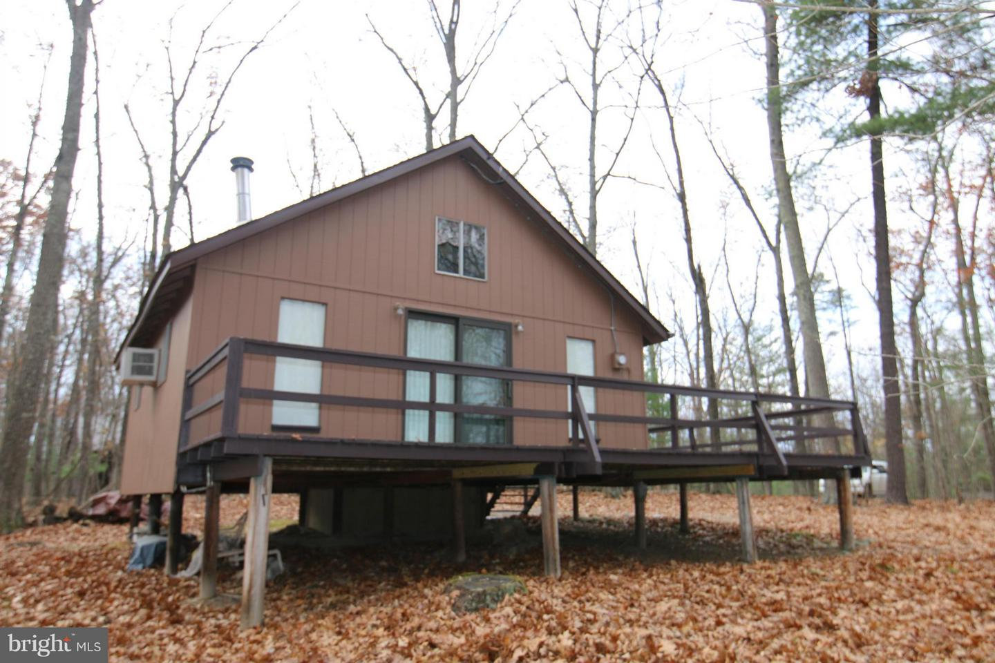 Photo of home for sale at 1108 Boy Scout Road, Hedgesville WV