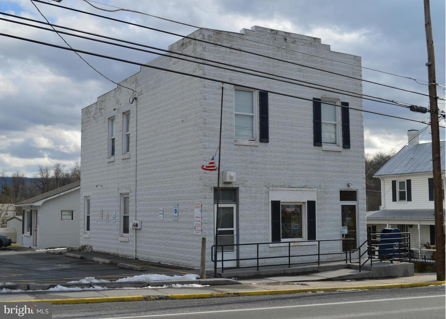 Commercial for Sale at 3374 Main St Toms Brook, Virginia 22660 United States