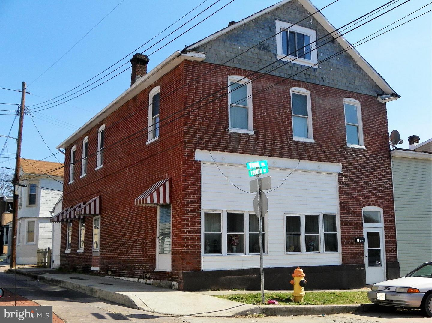 Single Family for Sale at 15 Fourth St Cumberland, Maryland 21502 United States