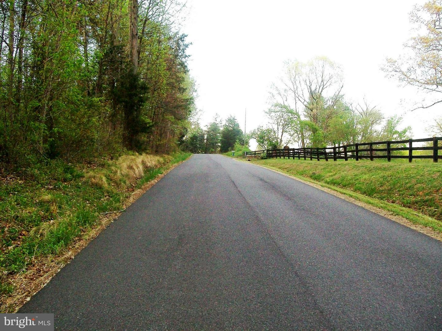 Land for Sale at Round Hill Rd Boston, Virginia 22713 United States